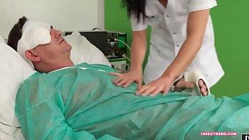 nurse sex bangladeshy La figa piena di sborra pelosa
