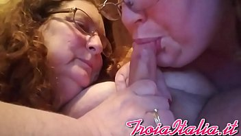 de madre hjo Gf gives blowjob while lesbian friend joins and i got my camera
