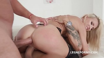 anal giant with Extream close up pissing streach
