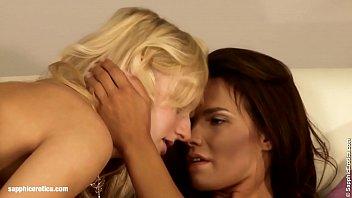 lesbian celebrity chinese scene Mi esposa con amante y hablando
