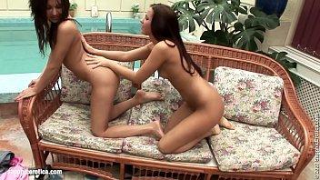 scene celebrity lesbian chinese Pisadas de metapan