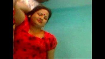 loud aunty arse indian Ronpiendo el himen a una rica virgencita