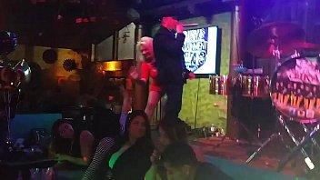 bailando adolecentes sexi Wife and husband dominate girl anal ffm