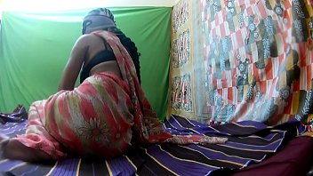 lesbian mother caught Indian anty in underskirt