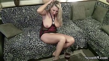 ma mere me seduces Mif sucking cocks